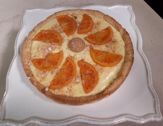 Crostata di amaretti con crema all'arancia