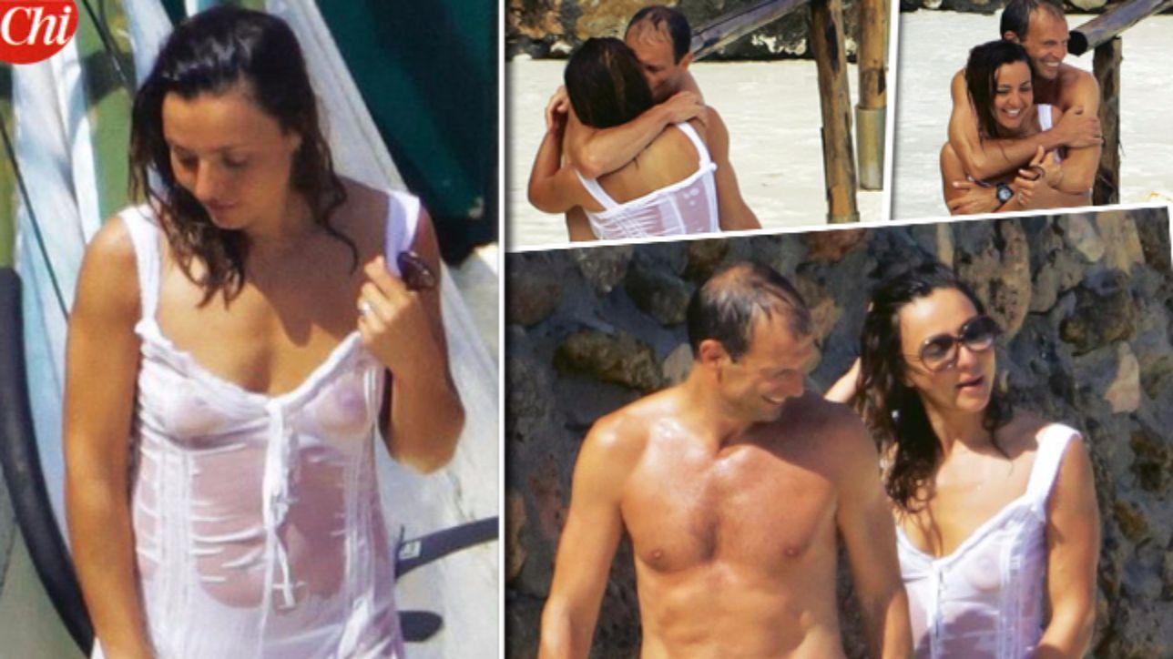 Ambra Angiolini Topless con allegri ambra si mette a nudo - tgcom24