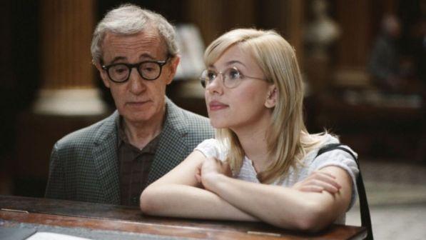 """Scarlett Johansson difende Woody Allen: """"Gli credo e vorrei ..."""