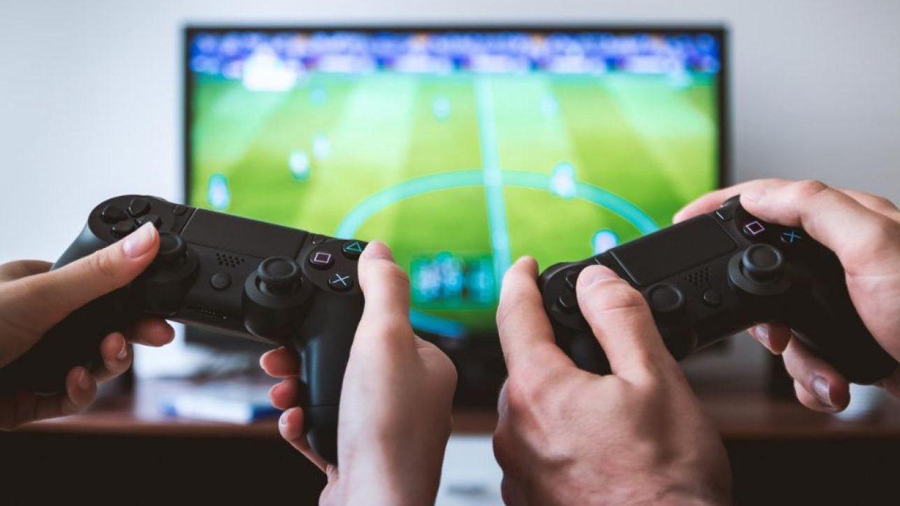 Cina, al bando le trasmissioni dei videogiochi