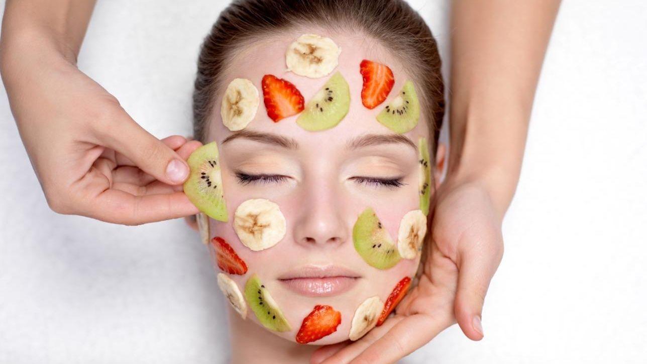 Non solo da mangiare: la frutta ti fa bella