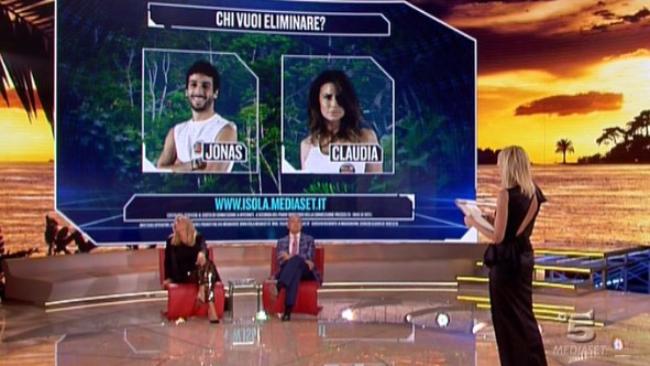 Isola dei famosi 2016: Berami-Galanti al televoto, Mercedesz Henger prima leader