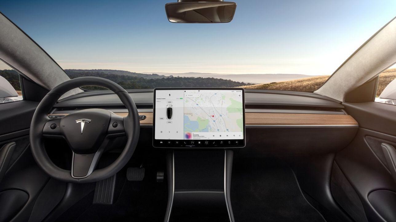 Videogiochi in auto? L'ultima trovata di Tesla