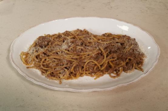 Spaghetti alla chitarra con salmì di manzo