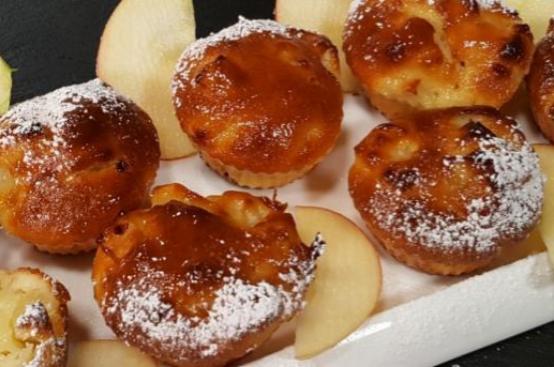 Tortine di mele e yogurt greco