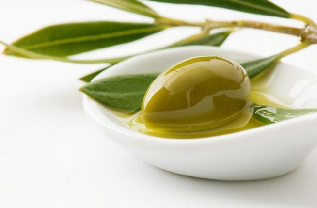 L'olio extravergine d'oliva aiuta a prevenire il cancro al colon