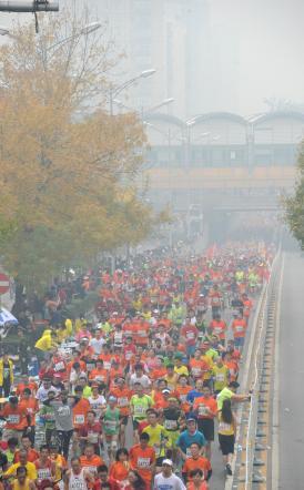 Cina, maratona per suicidi con smog record