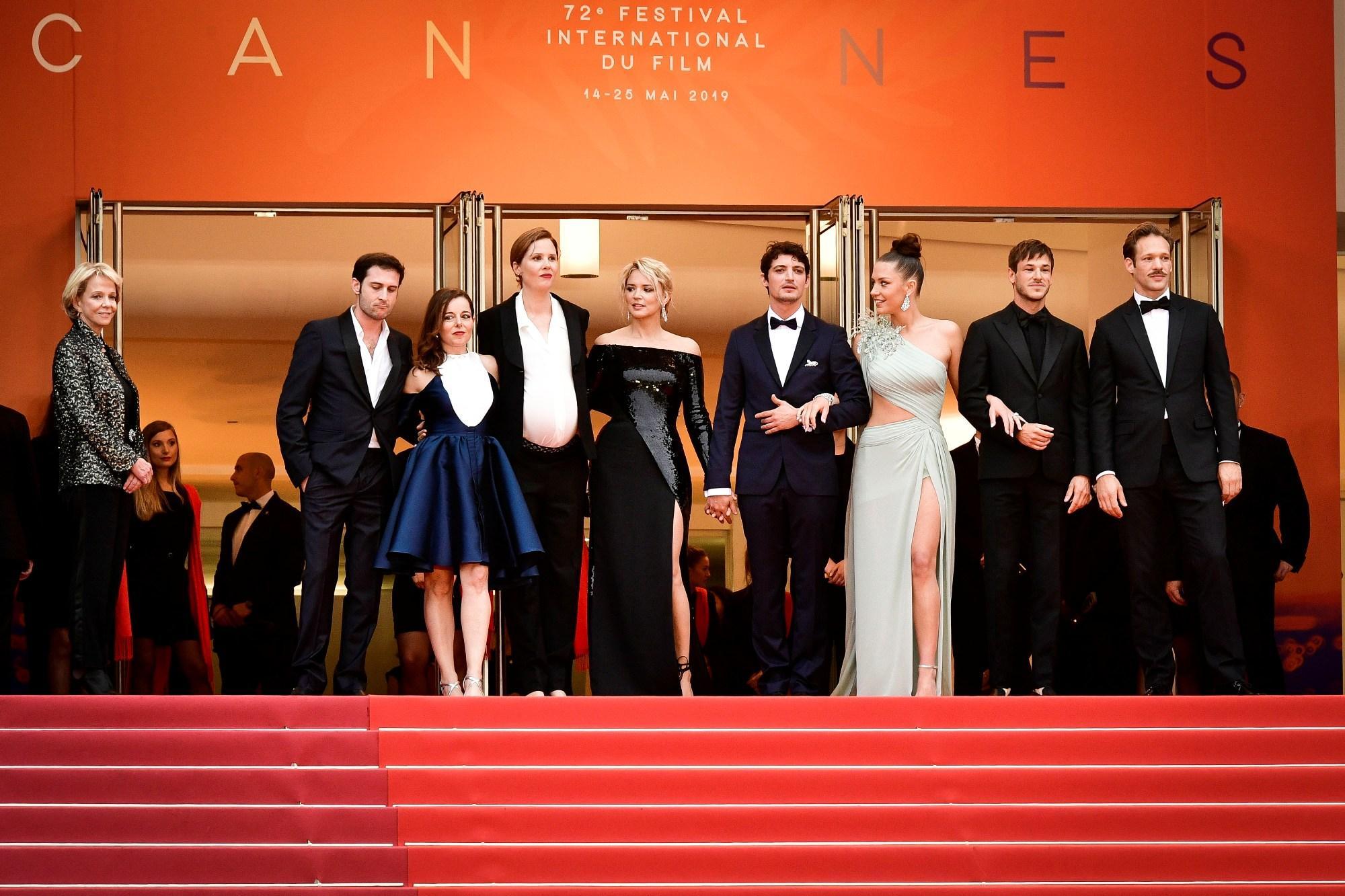 Cannes 2019, Milla Jovovich incanta sul red carpet di