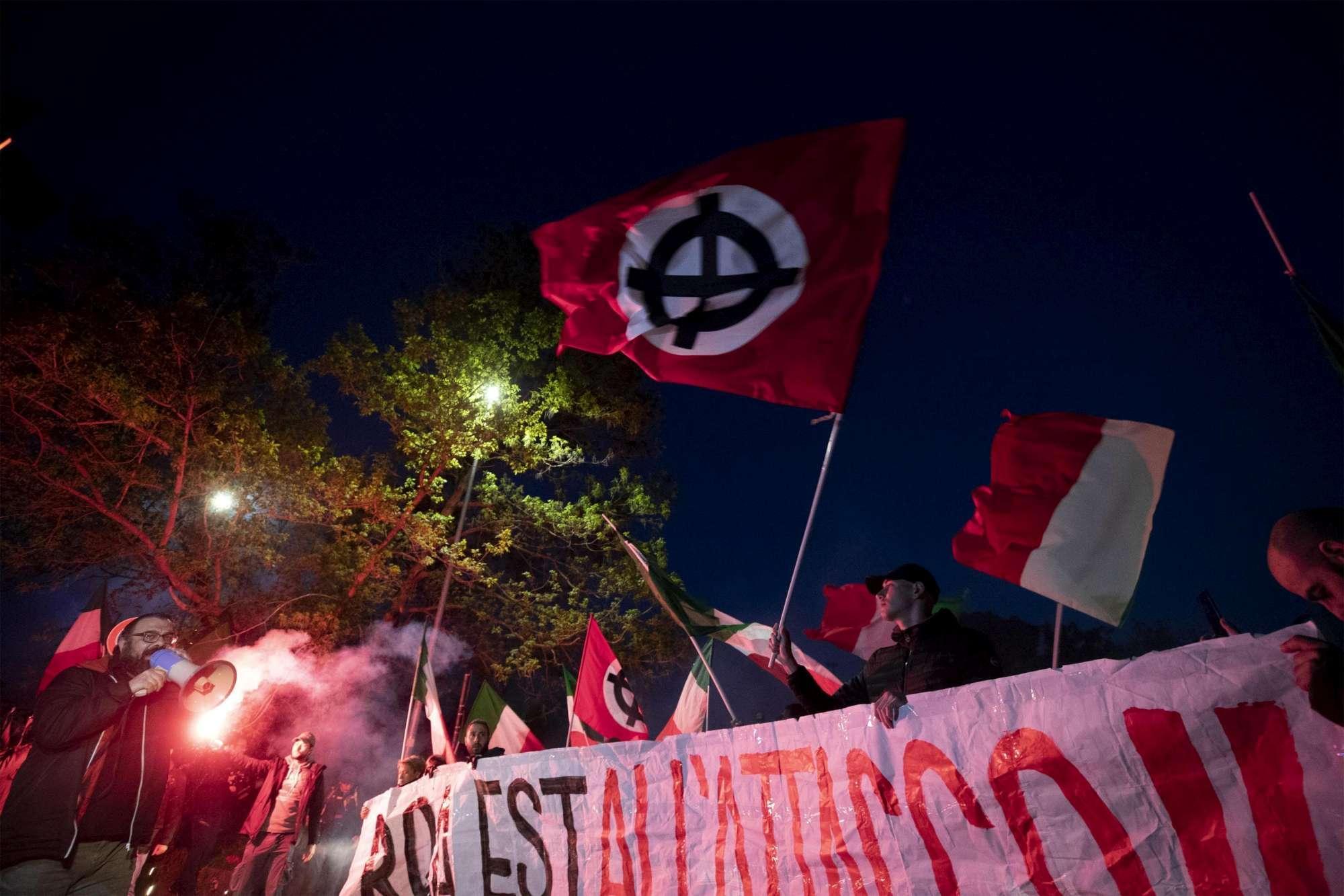 Roma, proteste anti nomadi a Torre Maura: 41 denunciati