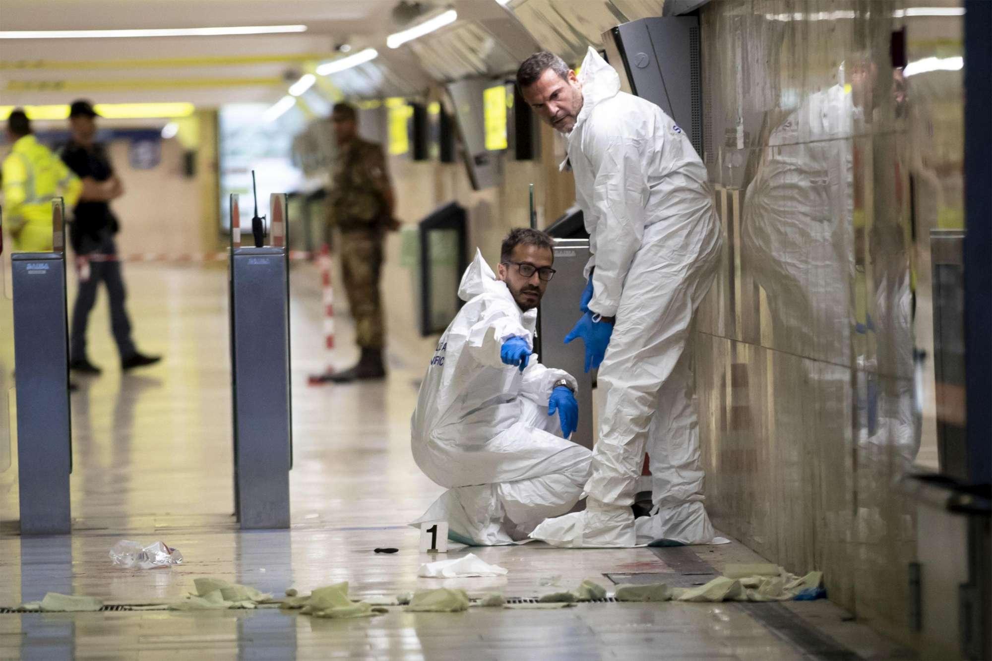 Roma: accoltella vigilante, gli ruba la pistola e poi si spara nella metro