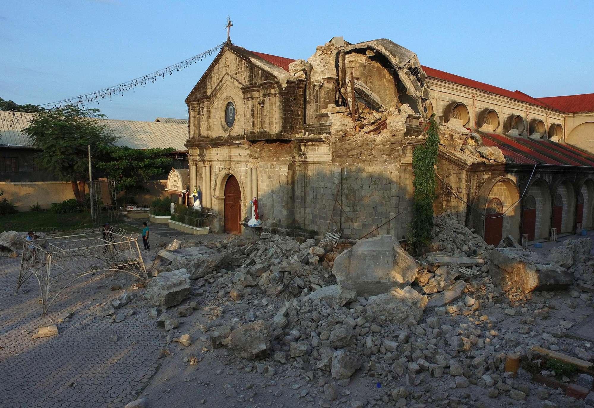 Terremoto nelle Filippine, vittime e crolli nel nord del Paese