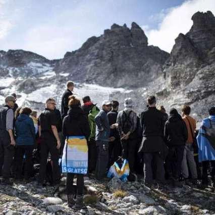 In Svizzera funerale ghiacciaio scomparso
