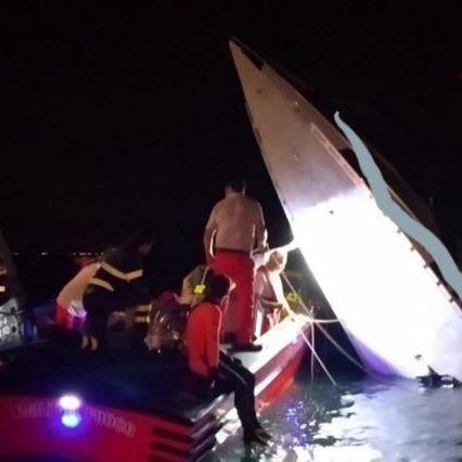 Venezia, barca contro diga: 3 morti
