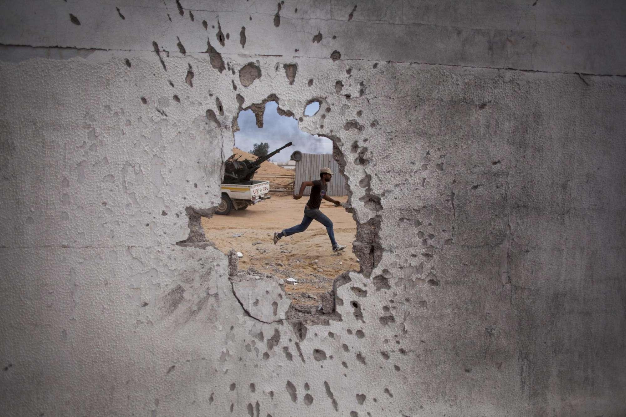 Libia, prosegue la battaglia a Tripoli tra l'esercito regolare e le forze di Haftar