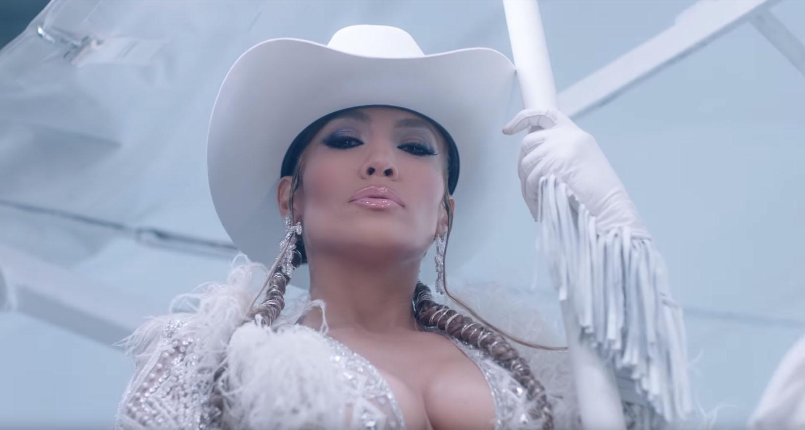 Jennifer Lopez, il video super hot del nuovo singolo manda i fan in tilt