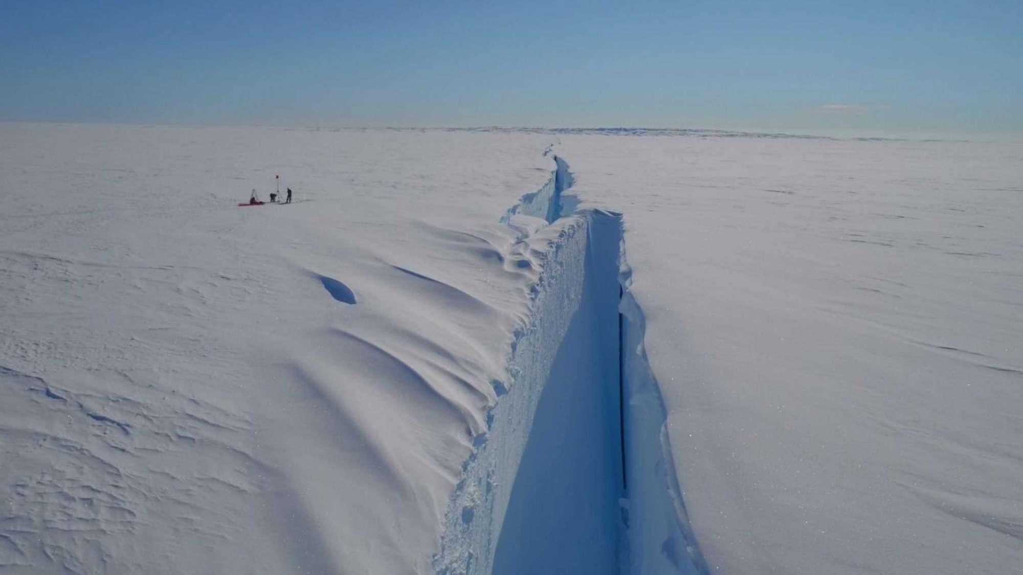 Antartide, rischio distacco di un iceberg grande 2 volte la superficie di New York