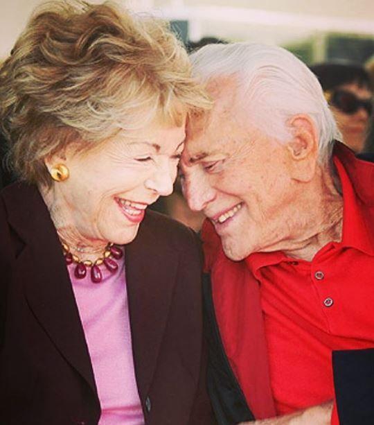 E' morta Anne Buydens, vedova di Kirk Douglas