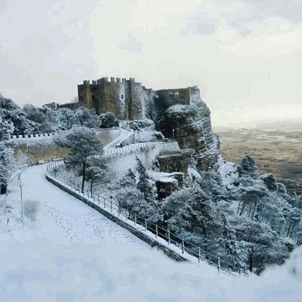 Neve al Sud: dalla Reggia di Caserta ai trulli di Alberobello fino alle spiagge del Salento