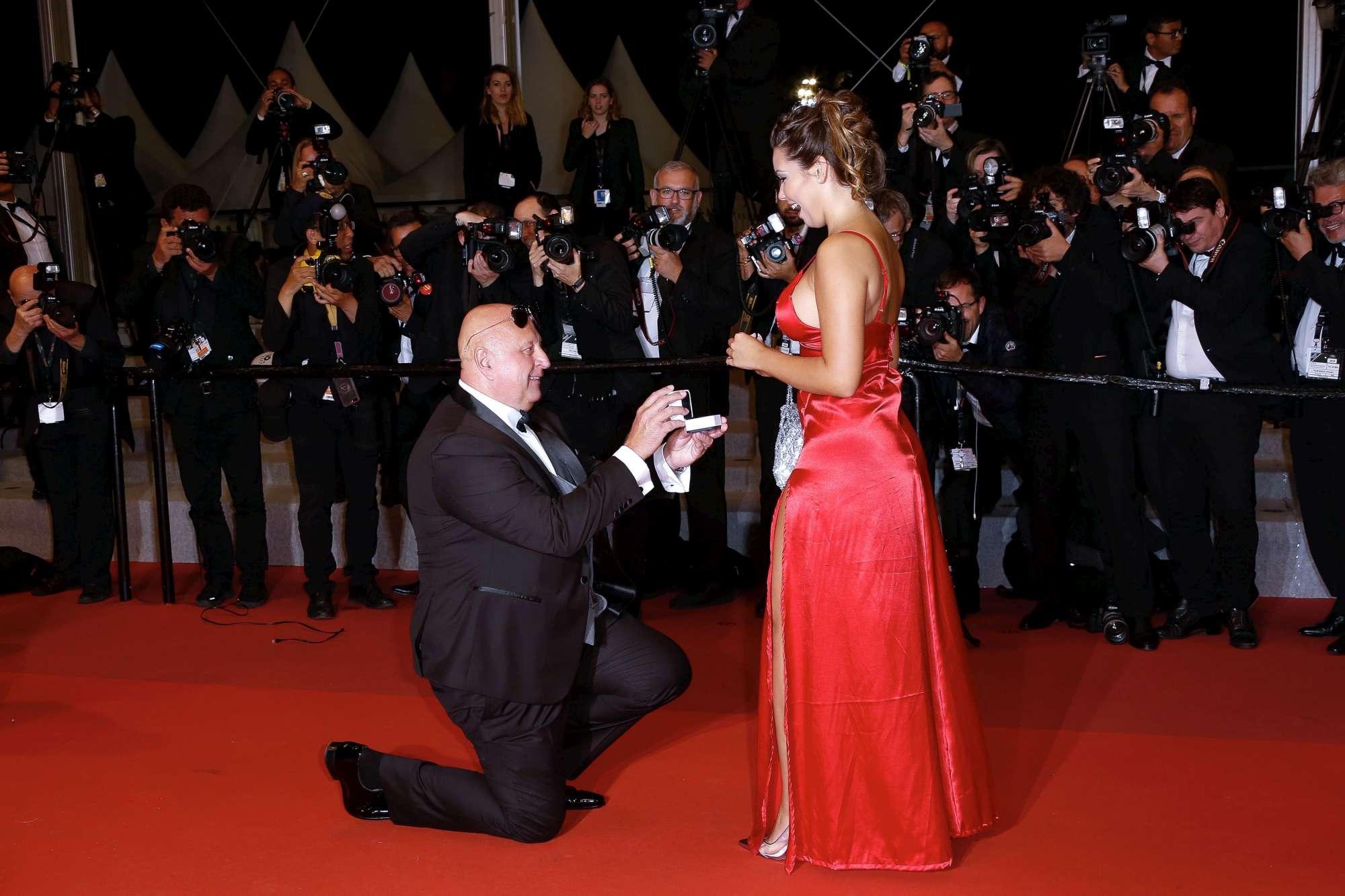 Cannes 2019, la proposta di matrimonio ruba la scena alle star