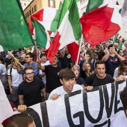 Lega e Fratelli d'Italia in piazza contro il governo giallorosso