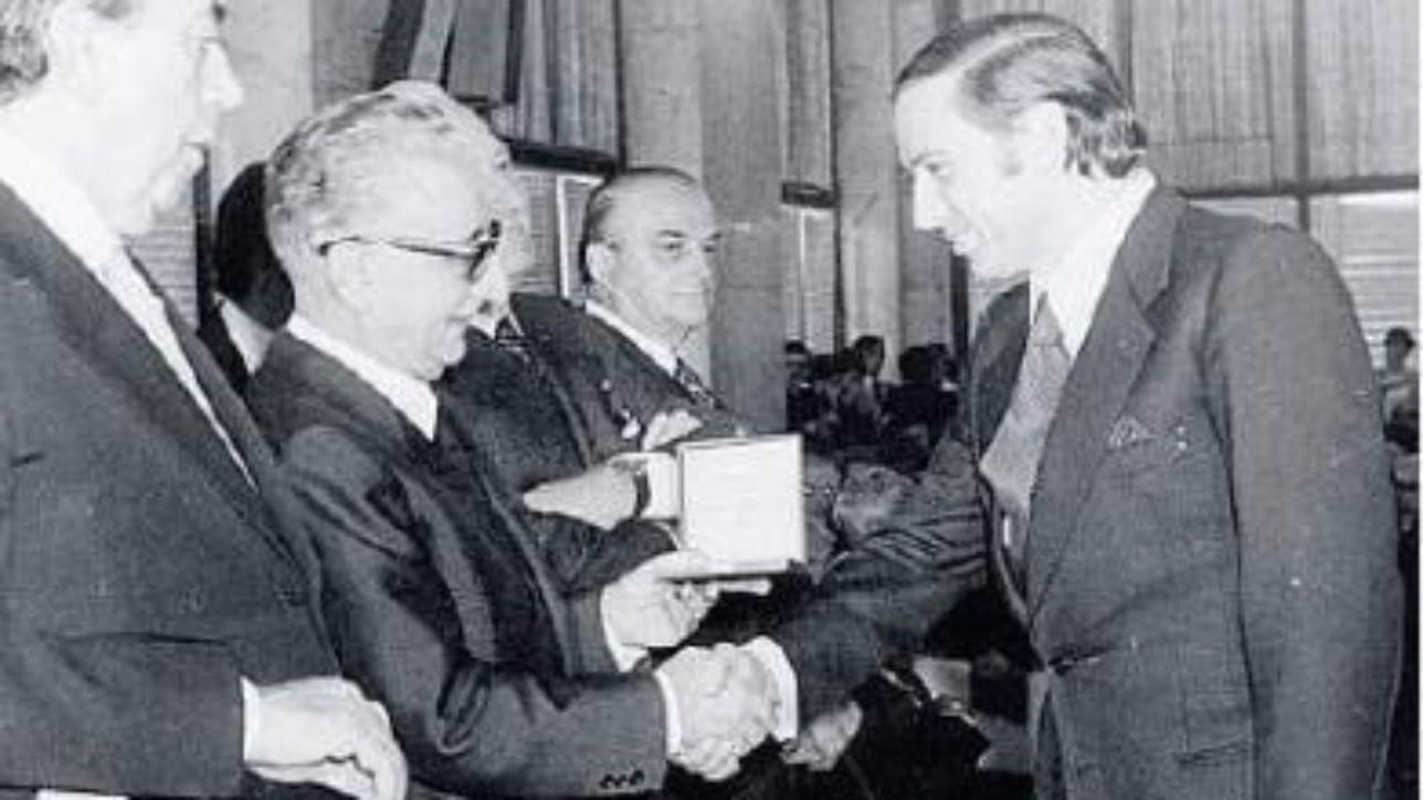 Silvio Berlusconi, la sua carriera da imprenditore
