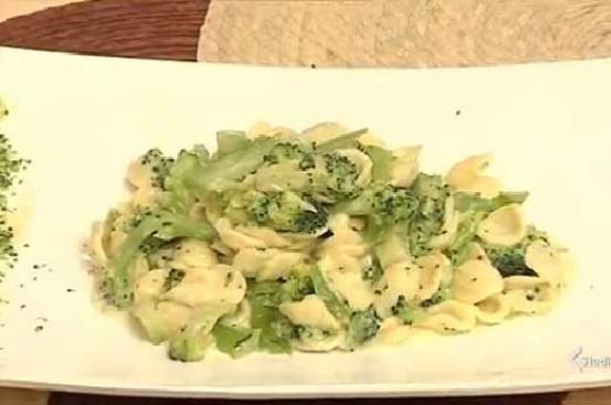 Orecchiette in crema di taleggio e broccoli piccanti