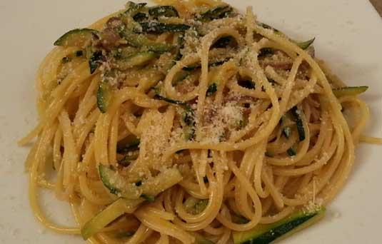 Spaghetti alla carbonara bugiarda