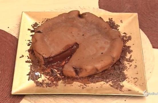 Torta di cioccolato con cuore morbido