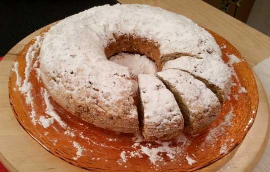 Torta banana, radicchio e noci