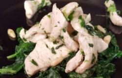 Straccetti di pollo spinaci e taleggio