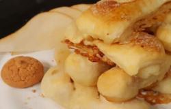 Tortini di sfoglia pere e amaretti